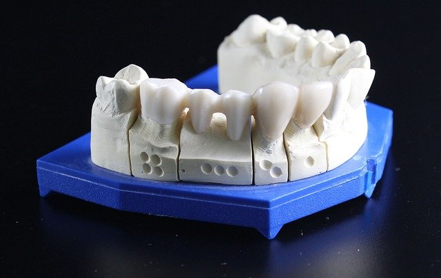 How To Close A Gap In Your Teeth At Home?